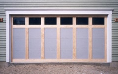 Simpel contemporary garage door